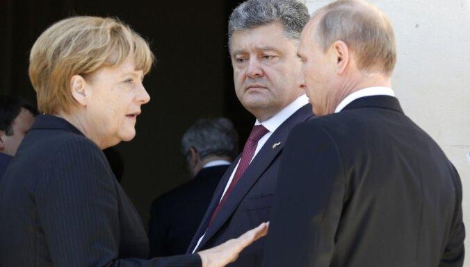 Меркель летит к Путину в Сочи сохранять для Украины газовый транзит