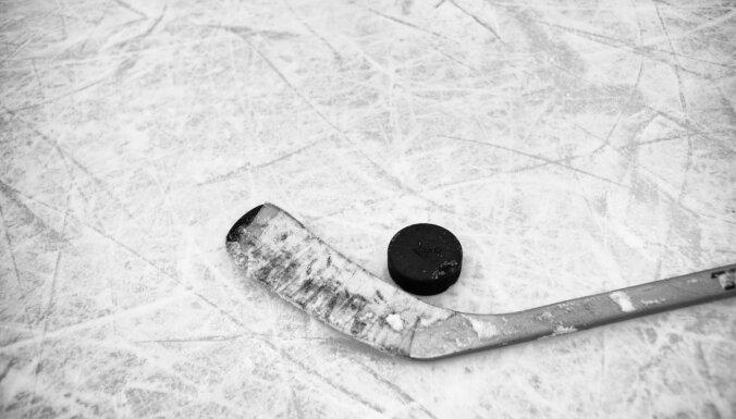 Vārtsargs Mitens AHL debijas mačā izcīna uzvaru