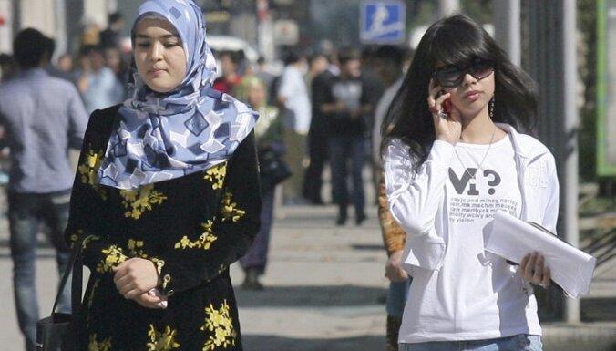 Tadžiku deputāti atbalsta aizliegumu bērniem dot krieviskus uzvārdus