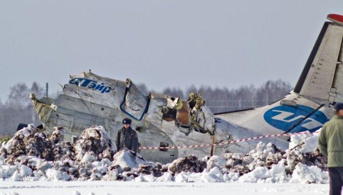 Trīs Tjumeņas aviokatastrofā izdzīvojušo stāvoklis uzlabojas