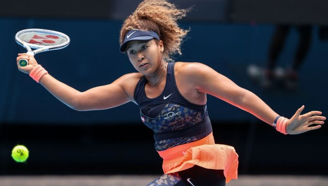Osaka izstājas no 'French Open' pēc organizatoru draudiem izslēgt tenisisti