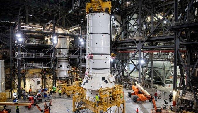 NASA sāk montēt iespaidīgo Mēness raķeti
