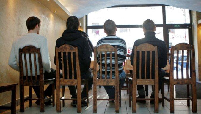 71% jauniešu bezdarbnieku ir zems izglītības līmenis