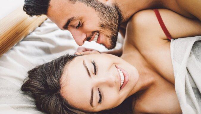 Arī pirms mīlēšanās jāiesildās: pieredzes stāsti, kāpēc neizlaist priekšspēli un ko neaizmirst