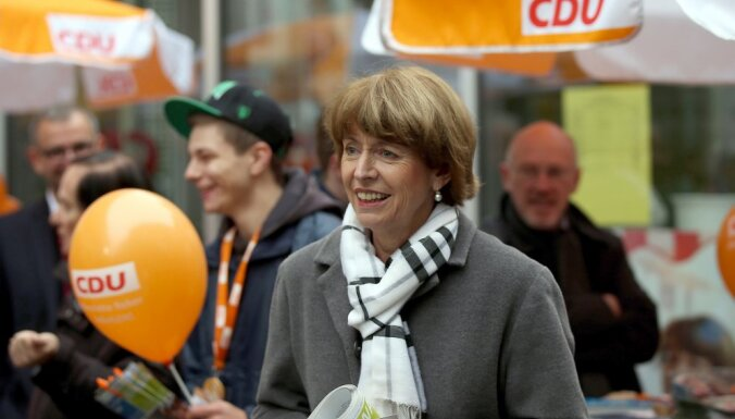 Мэром Кельна стала женщина, которую перед выборами ранили ножом в шею