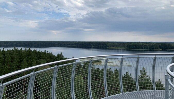 Foto: Galvu reibinošais Mindūnu skatu tornis Lietuvā