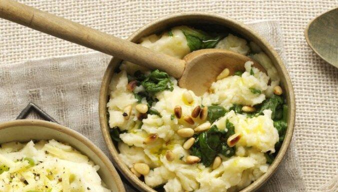 Krēmīga kartupeļu biezputra ar spinātiem un grauzdētiem riekstiem
