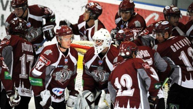 Rīgas 'Dinamo' uz Ufu pagaidām nedosies, čempionāts atsāksies nākamnedēļ