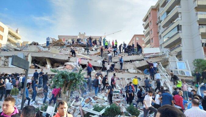 В Турции и Греции произошло сильное землетрясение, есть разрушения и жертвы (дополнено в 17:58)