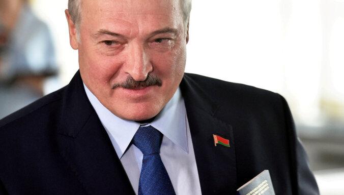 Лукашенко потребовал от ученых Белоруссии создать лучшую COVID-вакцину