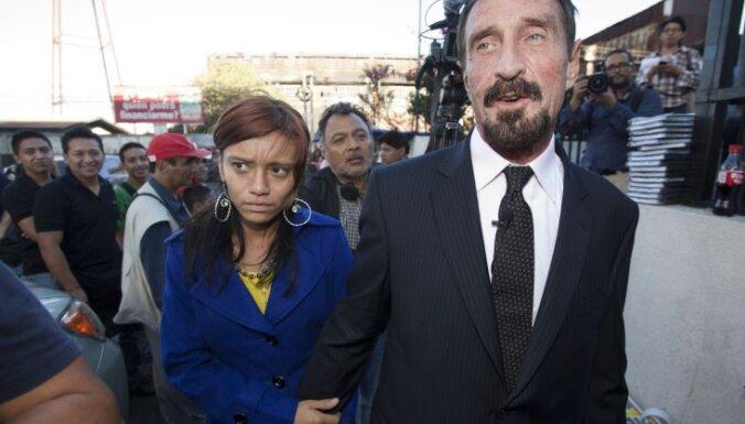 Antivīrusu programmatūras firmas 'McAfee' dibinātājs lūdz patvērumu Gvatemalā