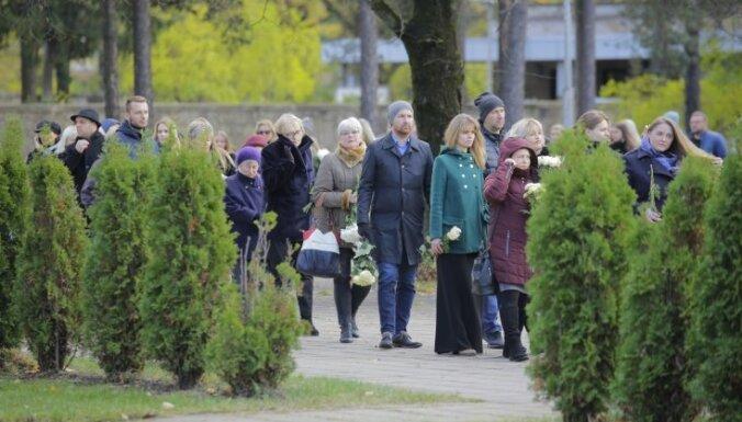 Foto: Tuvinieki un talanta cienītāji atvadās no Valtera Frīdenberga