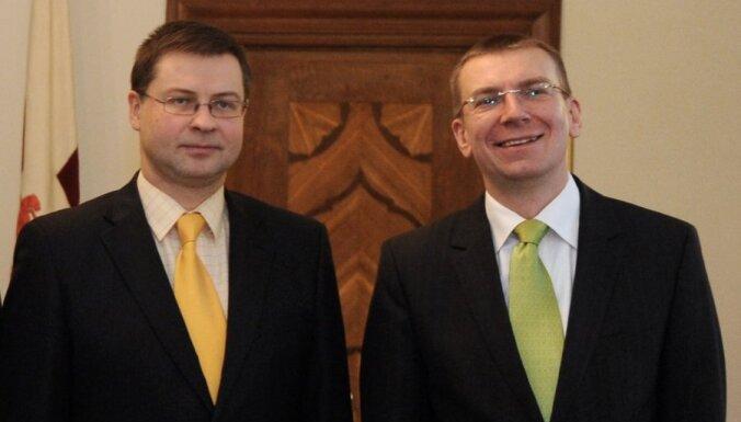 Premjers un ārlietu ministrs: 'valodas referendums' ir Latvijas iekšējā lieta; cer uz ārvalstu neiejaukšanos