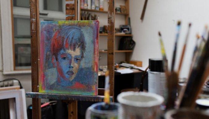 Kalnciema kvartāla galerijā atklās Ēsteres Zemītes izstādi 'Pazudušie bērni'