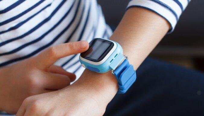 Kā Covid-19 ierobežojumu dēļ bērnu ikdienas pārraudzībā pieaug tehnoloģiju loma