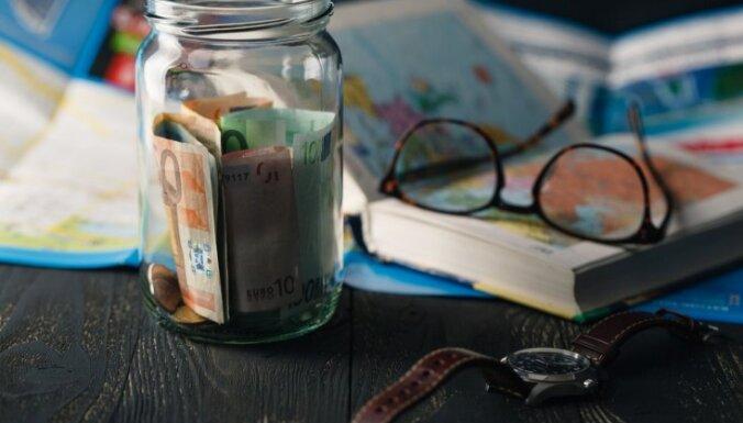 Vienkārši ieteikumi, kā sakrāt naudu nākamajam ceļojumam