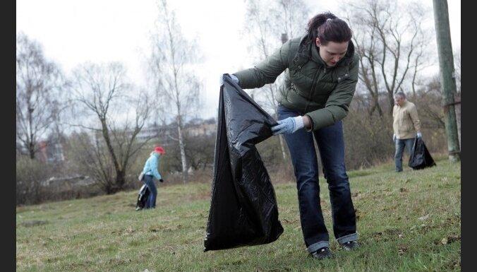 Большой субботник официально завершен, из Риги вывезено более 100 тонн мусора