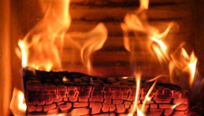 Pagājušajā diennaktī Latvijā reģistrēti 25 ugunsgrēki