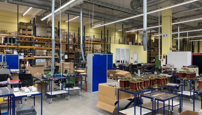 Foto: Ieskats induktīvo komponentu ražotāja 'Kohsel' rūpnīcā Liepājā