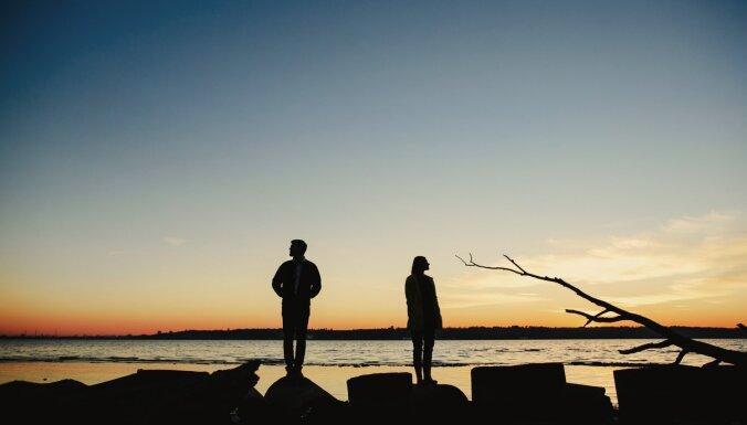 Kaitina viss, ko dara partneris. Pazīmes, kas liecina – stress negatīvi ietekmē attiecības