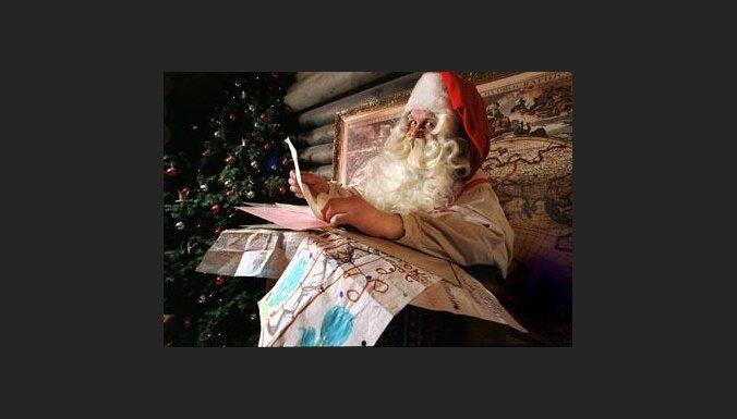 Санта-Клаус завален письмами (с) EPA-AFI