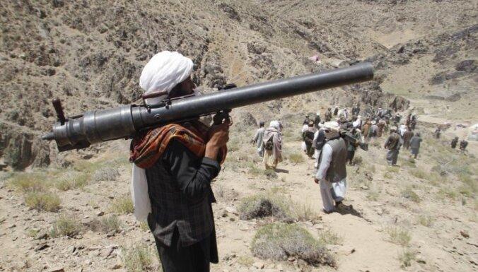 Afganistānā pēc pamiera beigām atsākušās talibu-valdības spēku sadursmes