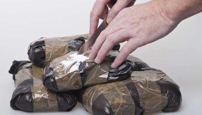VID mēbeļu kravā atrod 31 kilogramu 314 000 latu vērta metamfetamīna