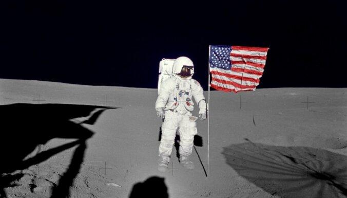 Описана миссия полета человека на Луну с помощью ракеты Falcon Heavy