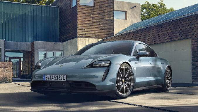 'Porsche' elektromobilis 'Taycan' tagad arī lētākā versijā '4S'