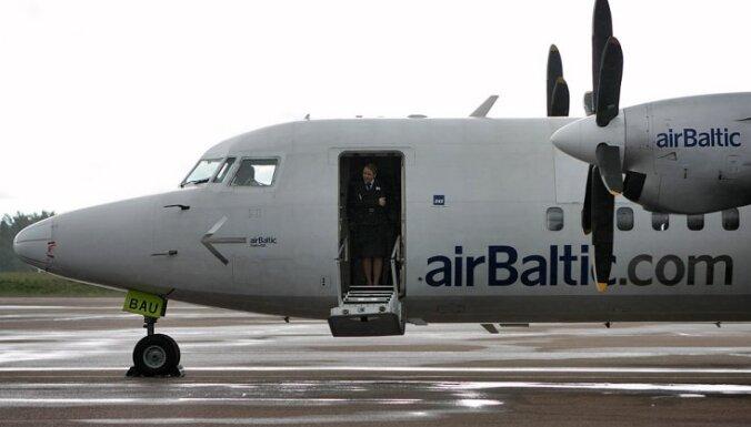 Pēc problēmām ar spiedienu salonā, 'airBaltic' lidmašīna atgriežas Rīgā