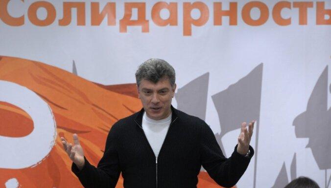 Немцов: нельзя отмечать освобождение Освенцима без Путина