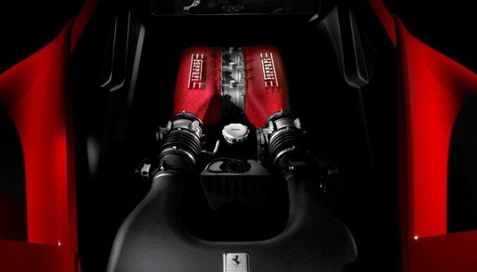 Ночью под Саласпилсом погибли водитель и пассажир Ferrari 458 (ДОПОЛНЕНО)