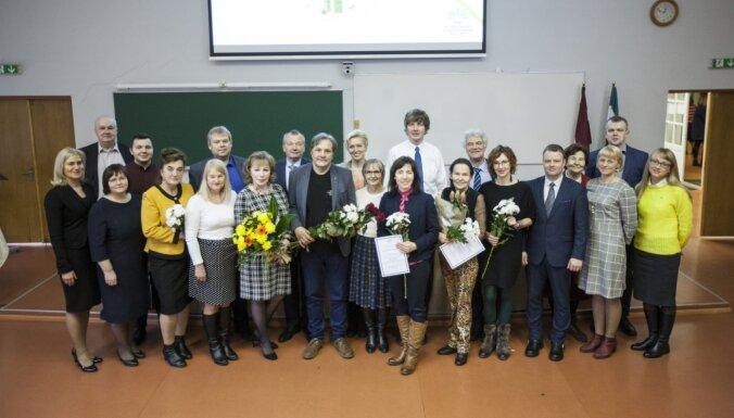 Sveic Latvijā izcilākos ķīmijas skolotājus