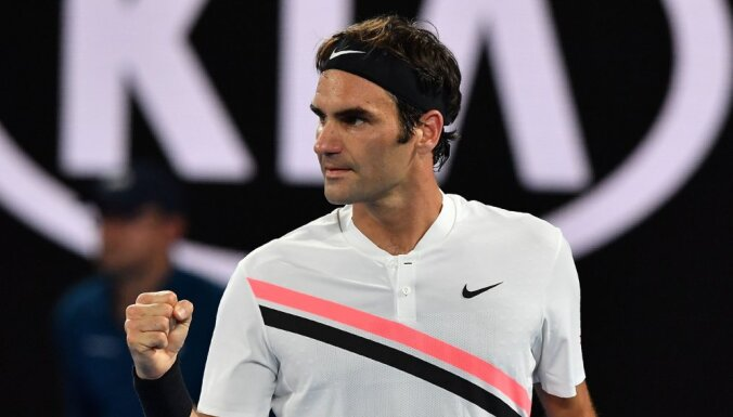 Federers četros setos sasniedz 'French Open' trešo kārtu