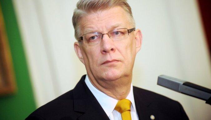 Zatlers: par ebreju kopienas kompensāciju jautājumu atbildīga ir Saeima un valdība