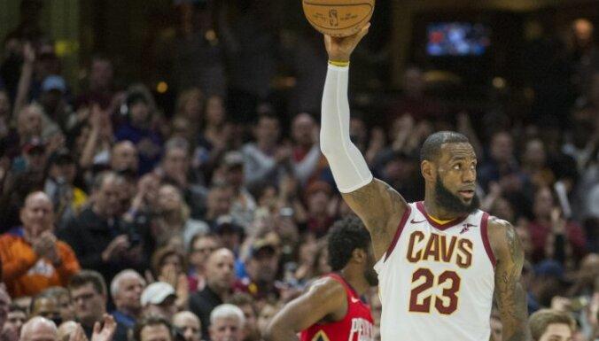 Džeimss labo leģendārā Džordana NBA rekordu