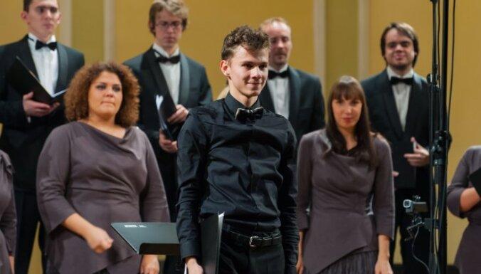 Vītola kordiriģentu konkursa finālā iekļūst divi latvieši