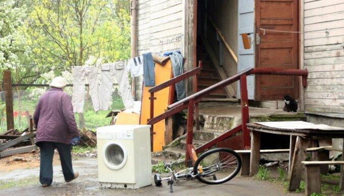 Пожар в Торнякалнсе: погорельцам помогут с жильем