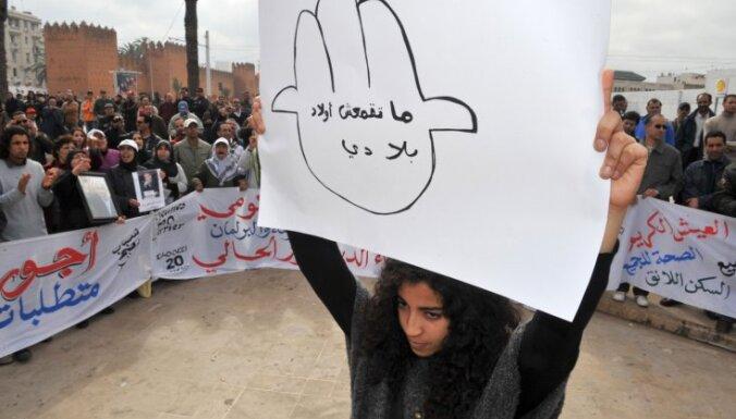 Demonstrācijā Omānā bojā gājuši divi cilvēki