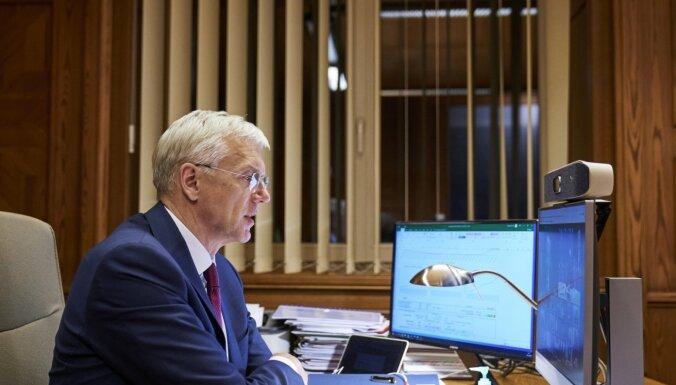 Kariņš ar Baltijas kolēģiem pirmdien diskutēs par sadarbību Covid-19 izplatības mazināšanai