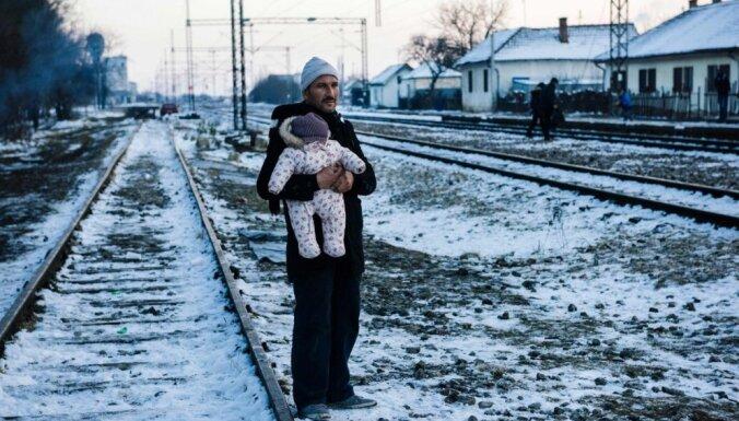 Serbija robežu ļaus šķērsot tiem imigrantiem, kas vēlēsies lūgt patvērumu Austrijā un Vācijā