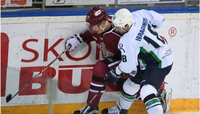 Rīgas 'Dinamo' zaudē Dārziņa 100. gūto vārtu spēlē