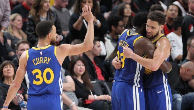 'Warriors' pieveic 'Blazers' pēc kārtējās lieliskās atgūšanās