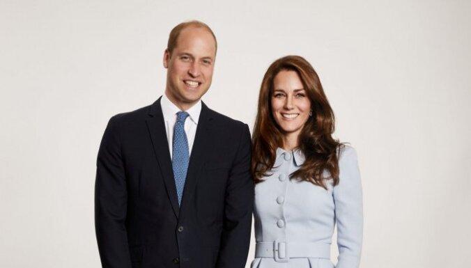 Karaliskās ģimenes fani pamana dīvainību Viljama ģimenes foto