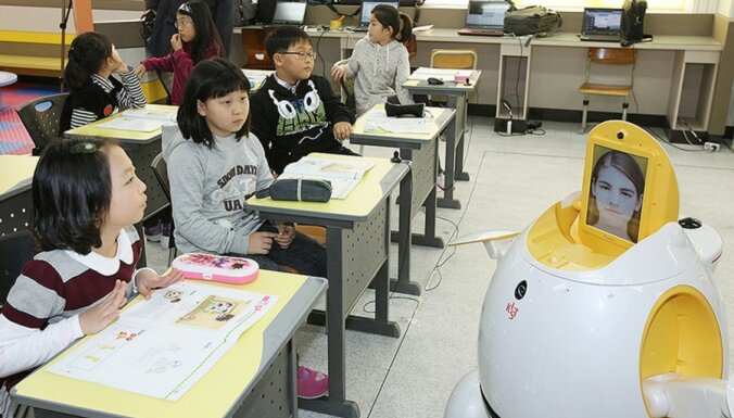 Dienvidkorejas skolās angļu valodu māca roboti