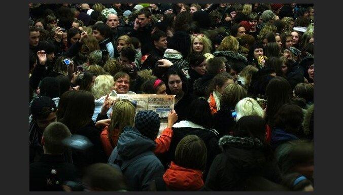 После терактов в Париже треть латвийцев стала опасаться людных мест