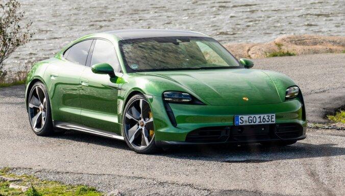 Ar rūpnīcas programmatūras atjauninājumu 'Porsche Taycan' sasniedz labāku paātrinājumu