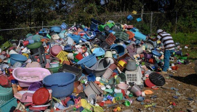 Cik daudz plastmasas atkritumu būs pēc 20 gadiem? Pārāk daudz
