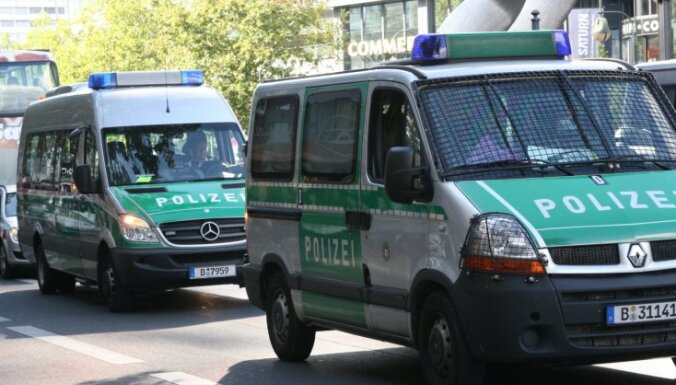 """В Германии """"зеленые"""" бьются против поездов с отходами: 150 пострадавших"""