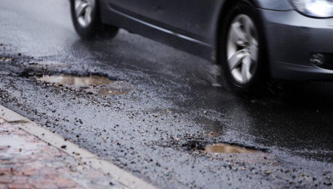 В аварийном состоянии находятся 296 км главных государственных автодорог